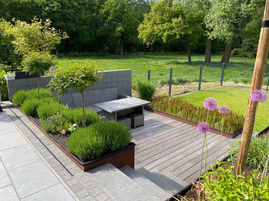 Das Sind Wir Gartnerei Schmitz Monchengladbach Garten Und Landschaftsbau Friedhofsgartnerei Blumenfachgeschaft